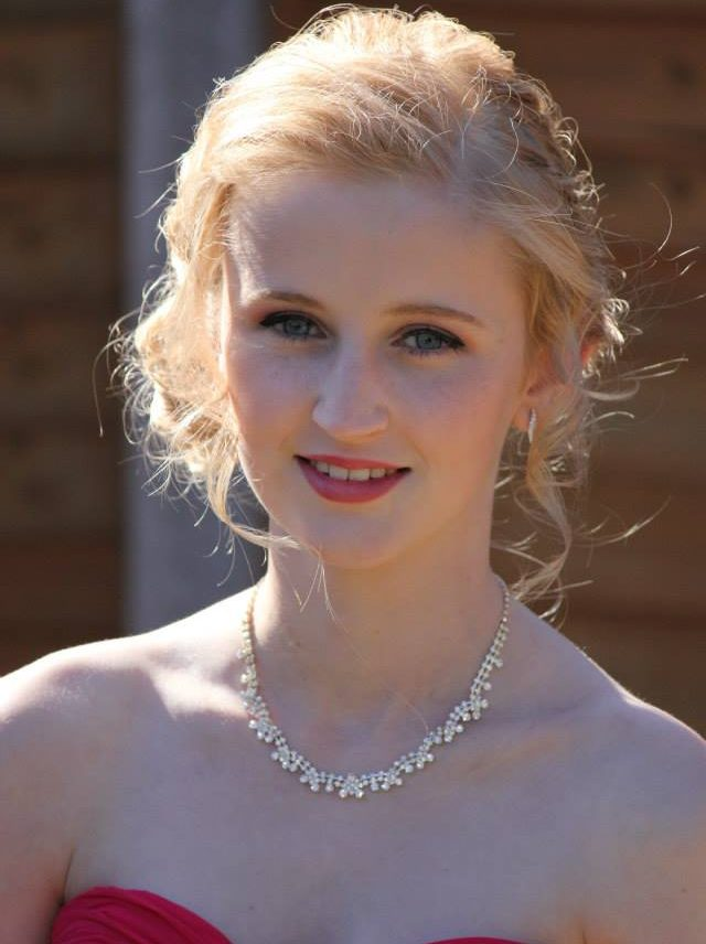 Prom make-up and hair stylist in Hedge End in Southampton